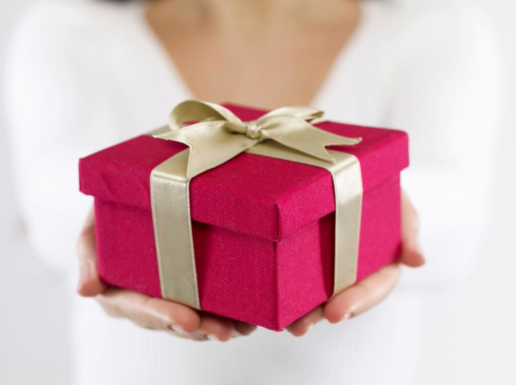 gift suppliers in dubai