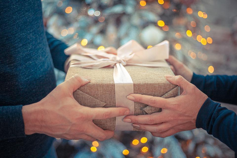 corporate gifts dubai